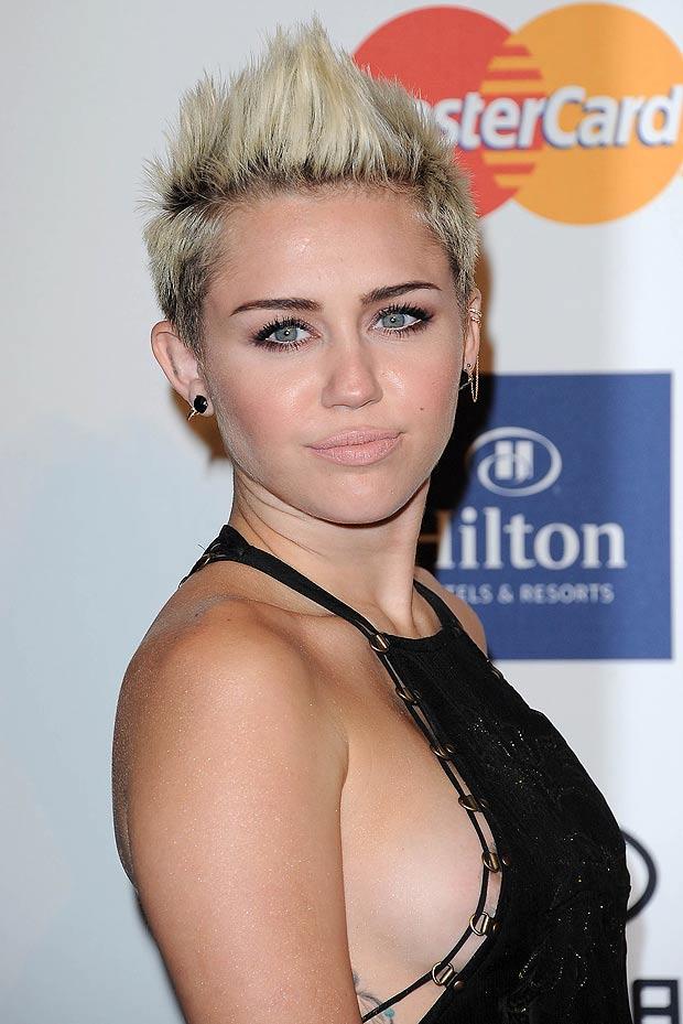 Miley Cyrus shot hair