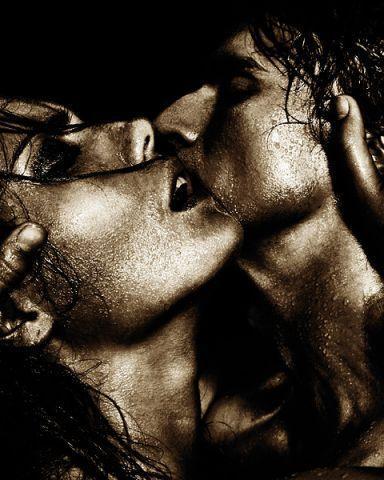 kiss black background