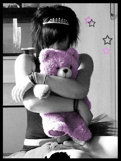 heart broken emo girls. emo girl with bear